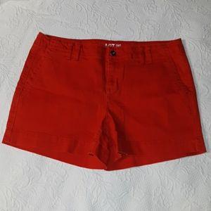 Apt 9 women's red denim shorts size 9